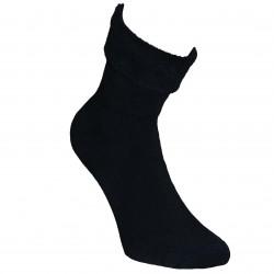 Gumuotais padais šiltos pliušinės kojinės Juoda