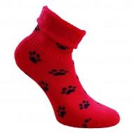 Gumuotais padais šiltos pliušinės kojinės raudonos Pėdutės